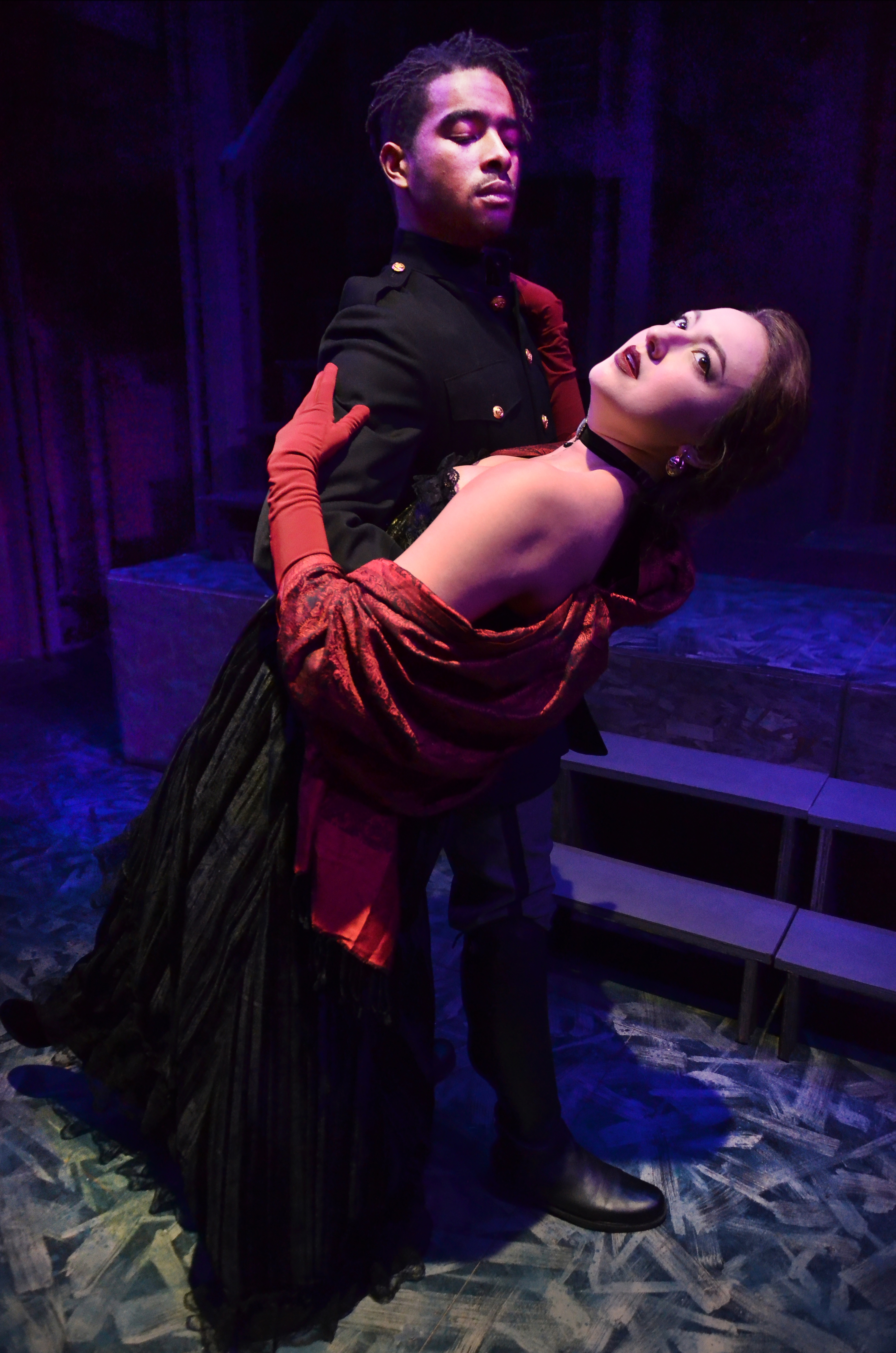 """Review """"Anna Karenina"""" (Lifeline Theatre): To Russia with Love"""