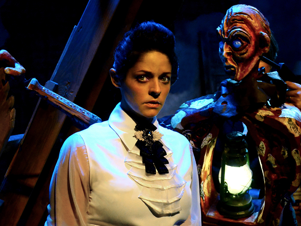 "Review ""Frankenstein"" (Lifeline Theatre): More Poetic, Than Horror"