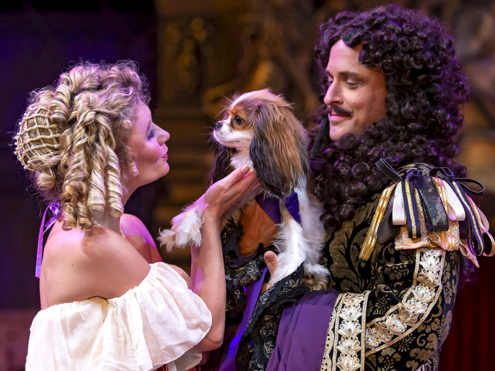 "Review ""Nell Gwynn"" (Chicago Shakespeare Theater): Timely, Inspiring and Pure Entertainment!"