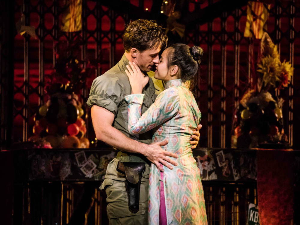 "Review ""Miss Saigon"" (Broadway in Chicago): Excellent!"