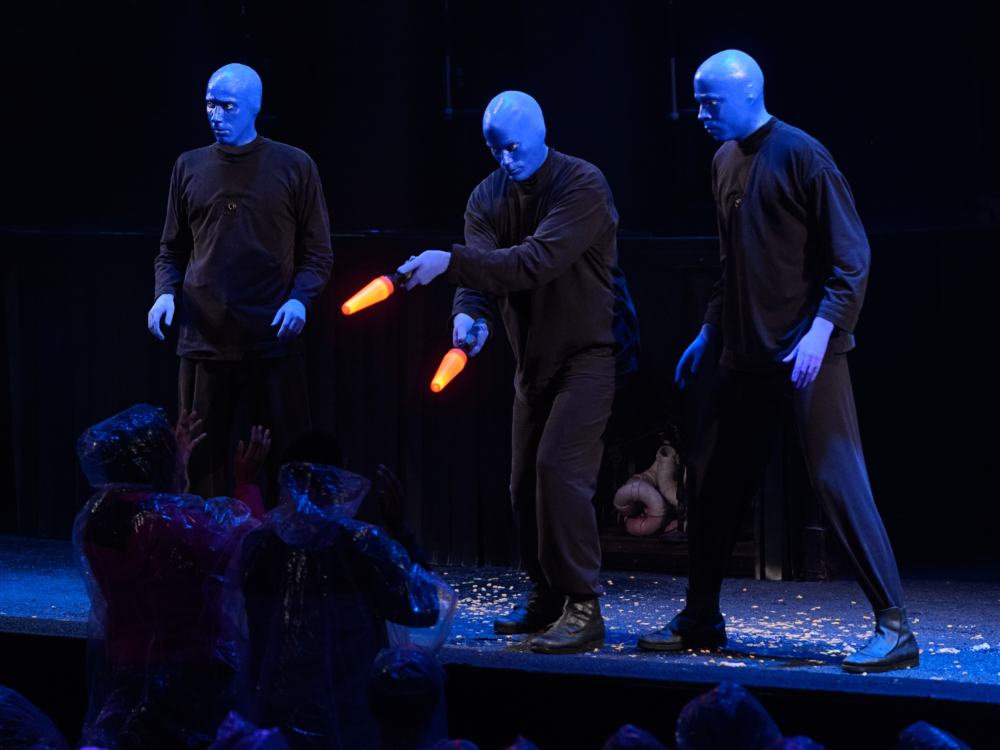 Review Blue Man Group Chicago: Blue Me Away