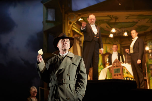 "Review ""An Inspector Calls"" (Chicago Shakespeare Theater): Intrigue from Story to Style"