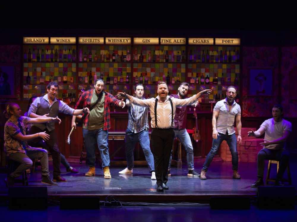 """Review """"The Choir of Man"""" (Broadway in Chicago): Dynamic Craic!"""