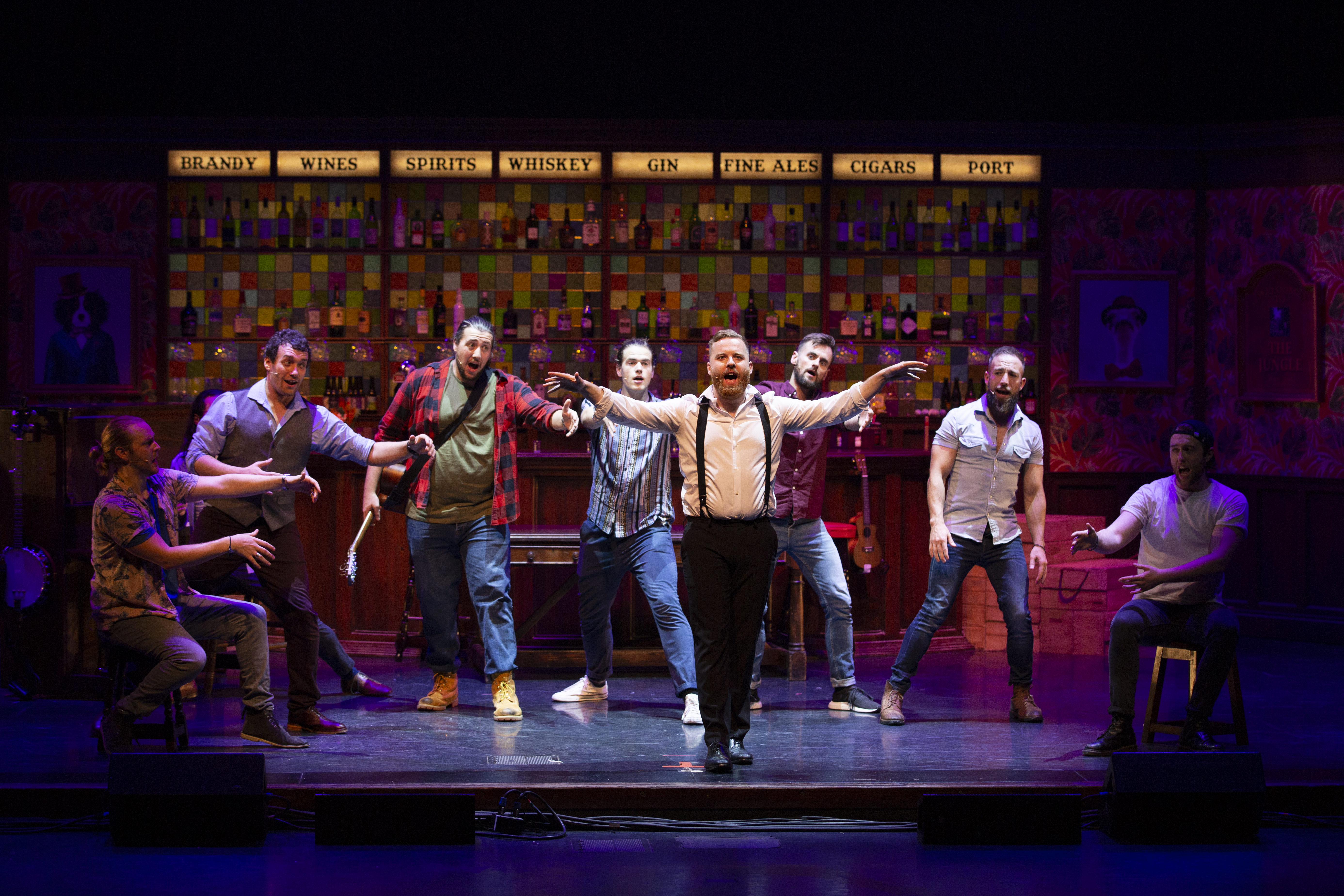 "Review ""The Choir of Man"" (Broadway in Chicago): Dynamic Craic!"