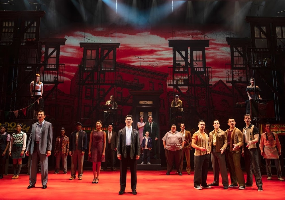 "Review ""A Bronx Tale"" (Broadway in Chicago): ""Sopranos"" Meets ""West Side Story"""