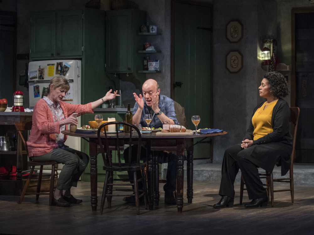 """Review """"The Children"""" (Steppenwolf Theatre): Intriguing Story, Nonchalance Storytelling"""