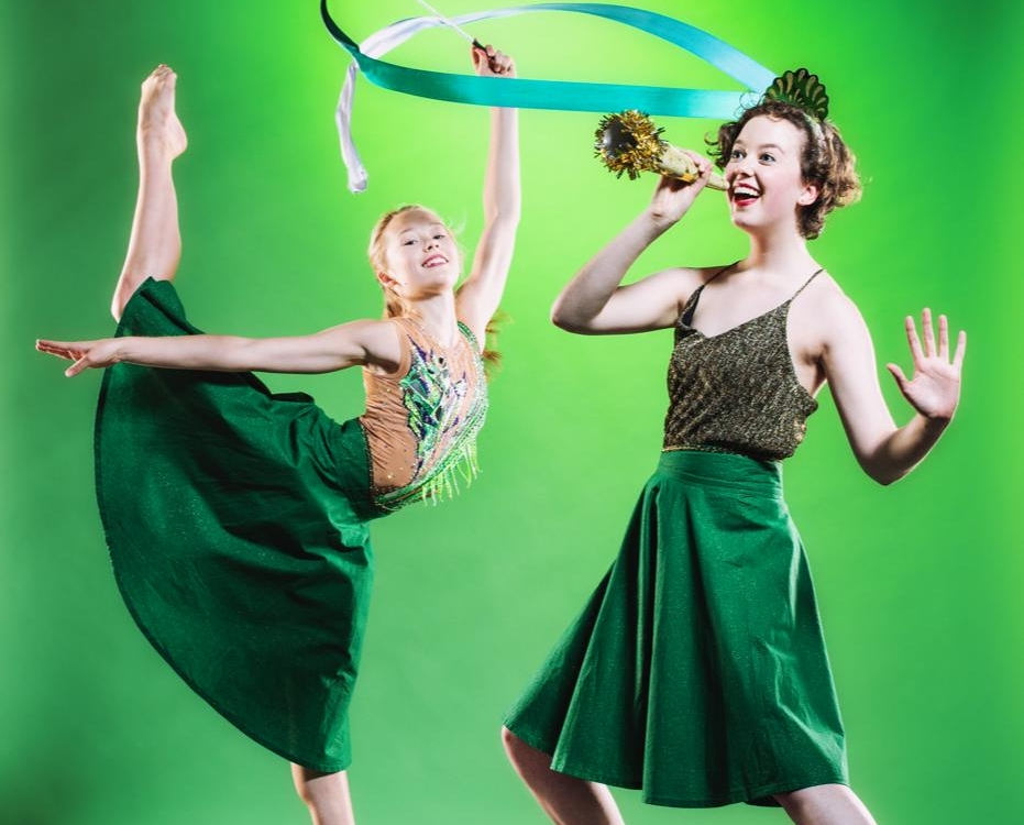 """Review """"Tidings For Tap"""" (Chicago Tap Theatre): Dancing Out the Holidays!"""